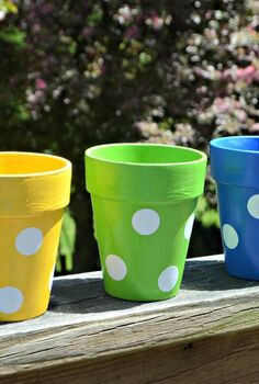 fun and simple polka dot flowerpots, crafts, gardening
