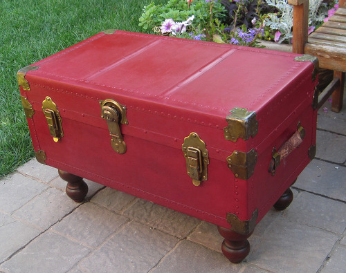 Antique Trunk Coffee Table With Annie Sloan Chalk Paint Hometalk