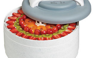 how to dry herbs, flowers, gardening, Next I pull out my trusty food dehydrator I know that some people like to hang their herbs to dry Do this once and you will go out and purchase a food dehydrator I purchased mine at Walmart but they are available at Target and Amazon