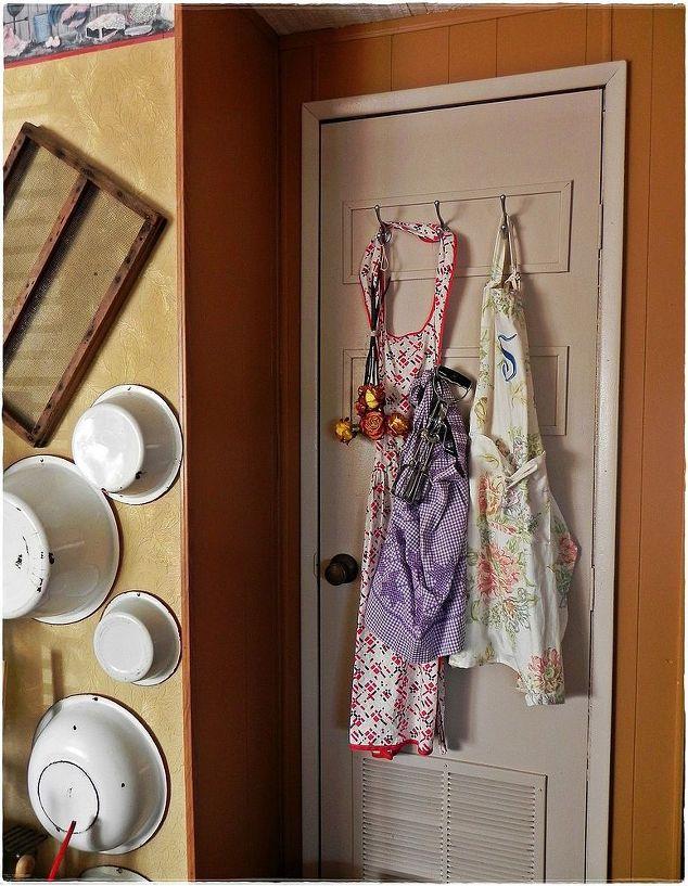 New Design Decorative 3 Door Bedroom Laminate Wardrobe Designs Yg51441