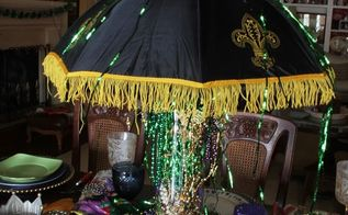 mardi gras tablescape, seasonal holiday d cor, My umbrella from Nawlins made the centerpiece fun