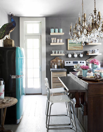 6 Considerations When Decorating A Small Space Home Decor Shabby Chic Urban Living
