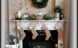 christmas mantel, christmas decorations, fireplaces mantels, seasonal holiday decor, wreaths