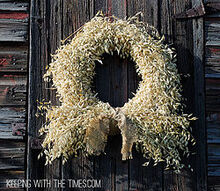 a tutorial on how to make a rustic country oat wreath, crafts, repurposing upcycling, seasonal holiday decor, wreaths, A beautiful oat wreath perfect for autumn decor