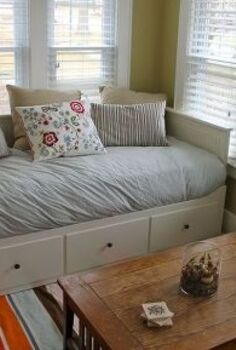 inexpensive decorating tips for rentals and dorms, bedroom ideas, home decor, window treatments, windows, If you have to invest in furniture make it do double duty For instance this day bed converts to a king size bed and has three drawers for storage below