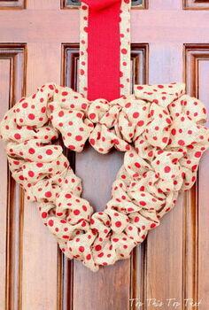 easy burlap heart wreath ideas, crafts, seasonal holiday decor, wreaths