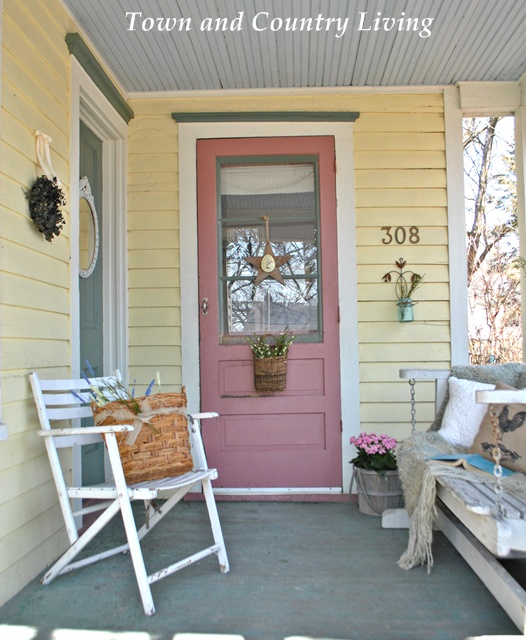 Sprucing up a farmhouse porch hometalk for Farmhouse porch swing