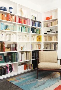 organize books by color, home decor, organizing, How do you feel about grouping your books by color Give it a try