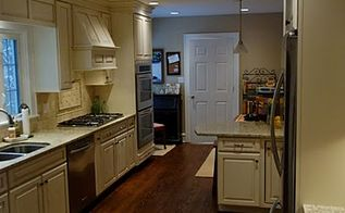 traditional kitchen remodel before after, home decor, home improvement, kitchen backsplash, kitchen design, lighting, Here s the final product