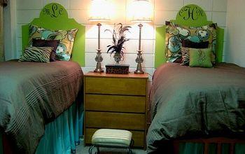 inexpensive dorm room decor, bedroom ideas, home decor, Poster Board for headboard