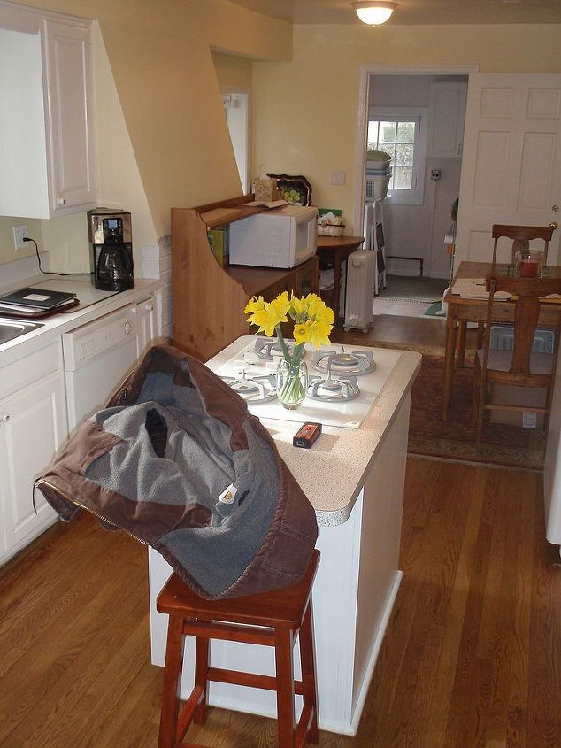 Here's the kitchen before, at another angle.