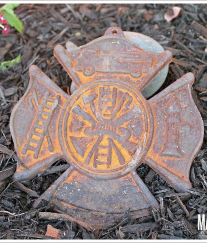 Displaying keepsakes in your flower beds.