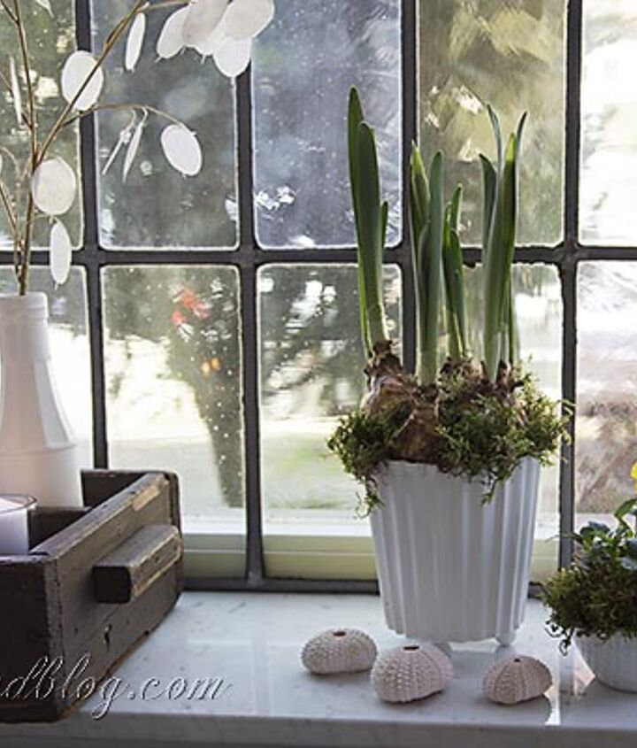 No decoration is complete without some flowers and greenery.