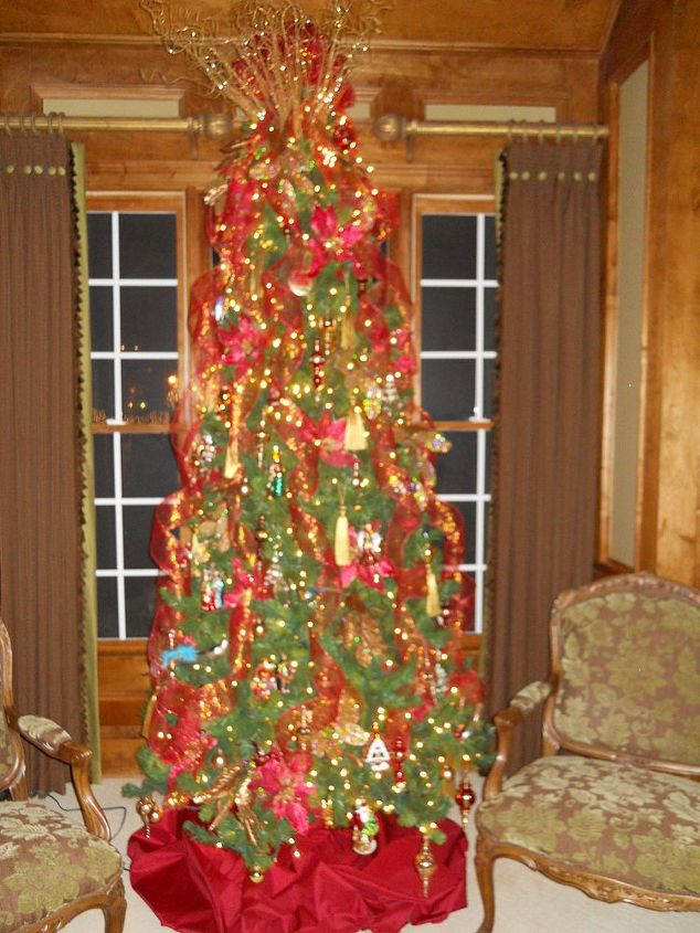 q as i promised here is more holiday decor featured below is a tree that i did last, christmas decorations, seasonal holiday decor