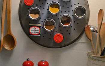 Small Kitchen Ideas: DIY Magnetic Spice Rack