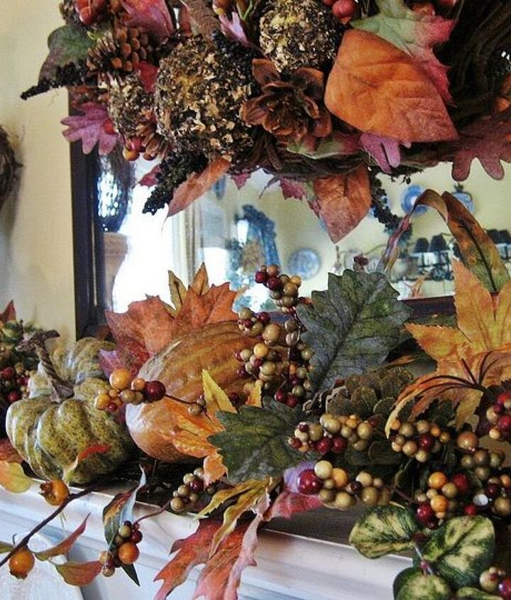 I love the chunky garland with its pumpkins, gourds and berries...so pretty and easy! Just put it on the mantel and you are almost done!