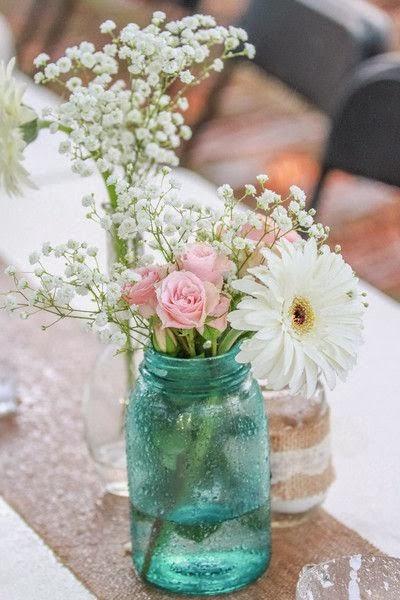 1. Mason Jar Vase: An untraditional shabby chick vase/
