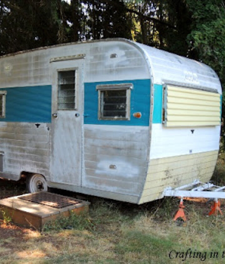 Camper Trailer Office
