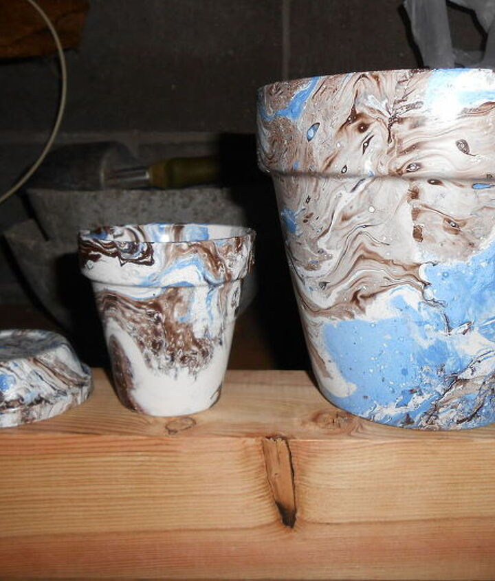 marbling flower pots with spray paint, crafts, flowers, gardening, painting
