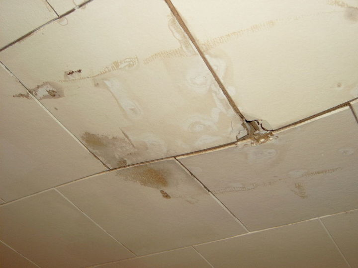 q hole in celing, home maintenance repairs, how to