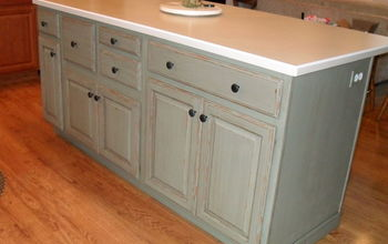 Painting My Kitchen Island with Annie Sloan Chalk Paint