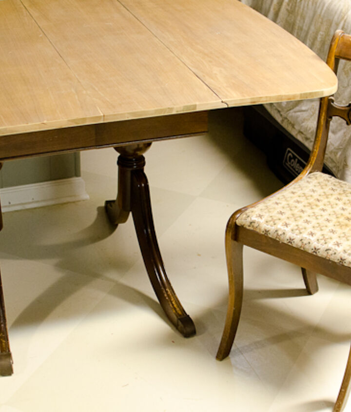 The table and one chair before their makeover.  They definitely needed a pick-me-up!