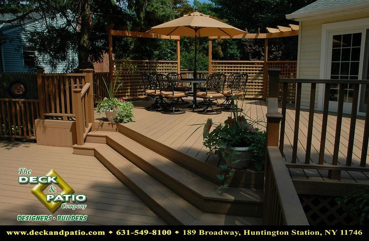 Trex 2 level deck with stairs, rails, and wood pergola