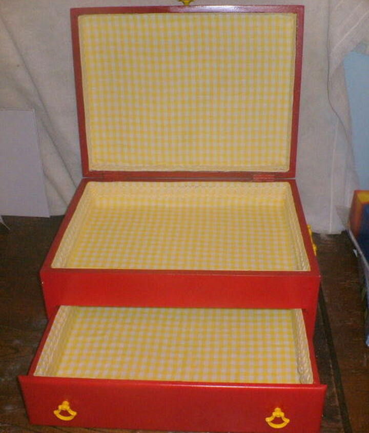 Turn a Cutlery Chest into a Sewing Box