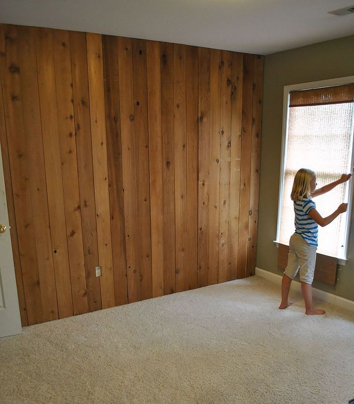 Before - existing room with sage walls and broken blinds