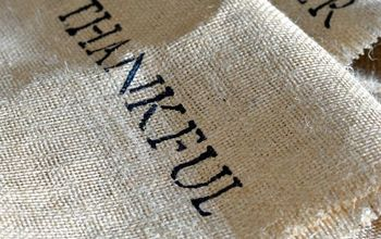 How to Make a Burlap Stenciled Table Runner