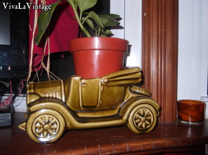 The first purchase to start her car planter collection. Love the vintage cause its made in America