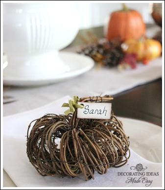 Pumpkin grapevine! For more details please visit:  http://www.decorating-ideas-made-easy.com/fall-table-decorations.html