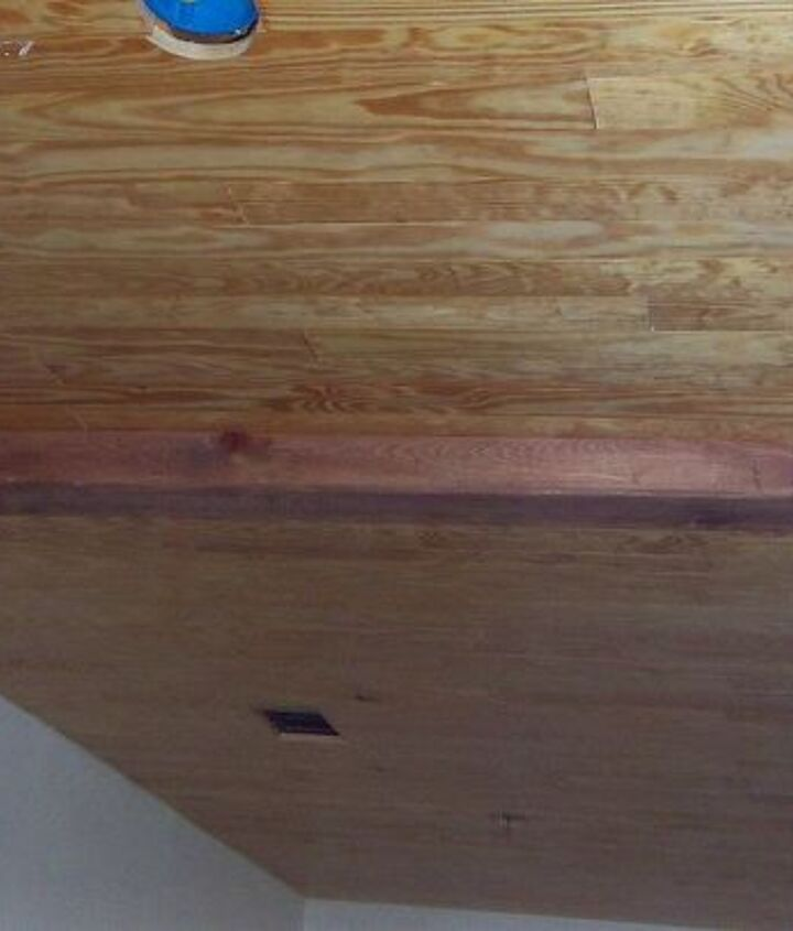 wood ceiling, with out trim