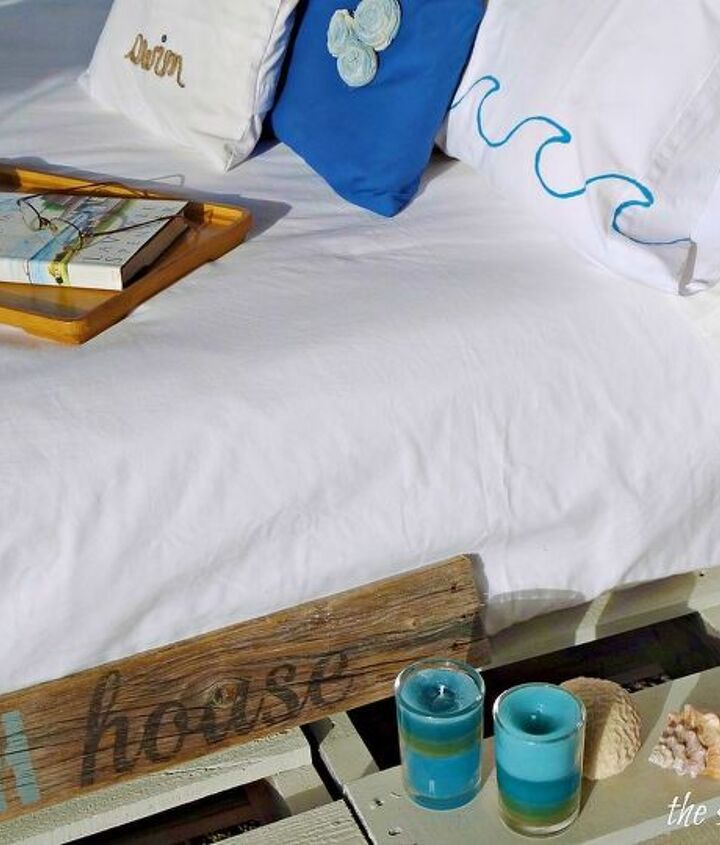 easiest pallet bed you ll ever see lay 4 pallets on a spray painted rug, bedroom ideas, painted furniture, pallet