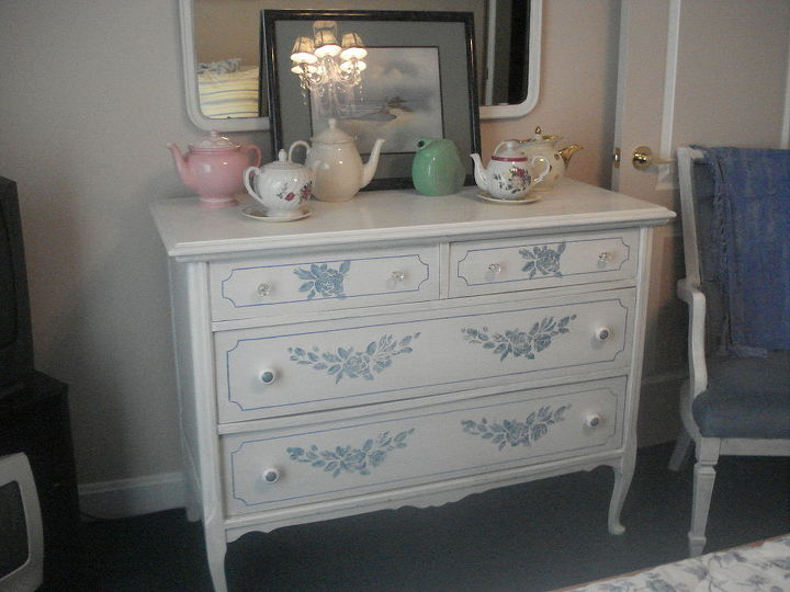 repurposing an old dresser, home decor, painted furniture, Bought this old dresser for like 10 00 an friend did not want it any more Repainted white and put new handle pulls on it for the guest bedroom