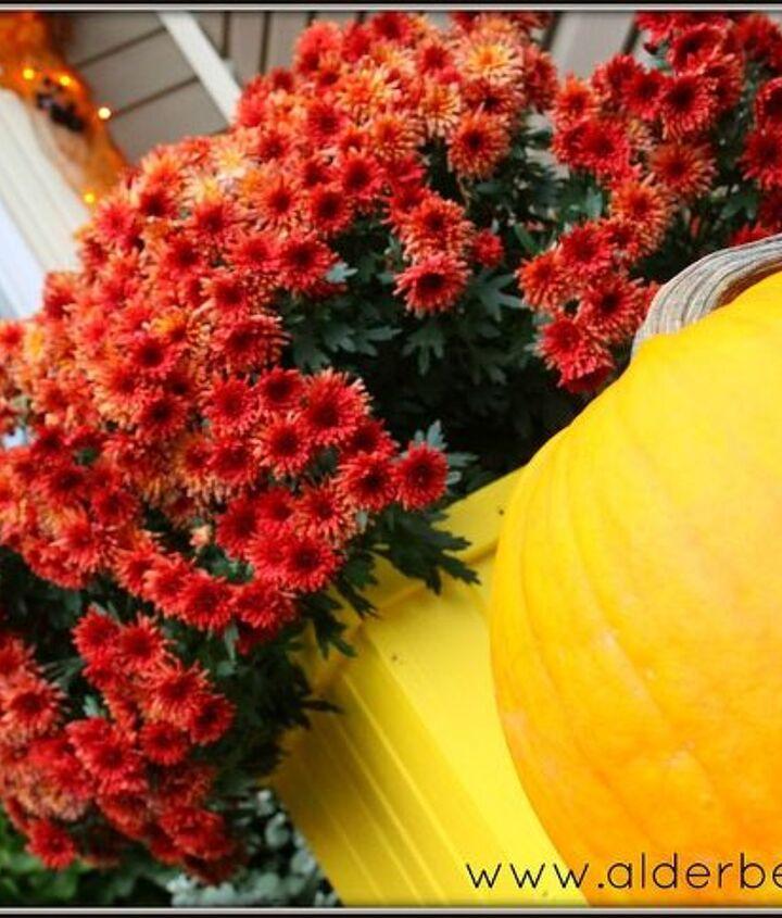 http://www.alderberryhill.com/fall-front-porch-2012/