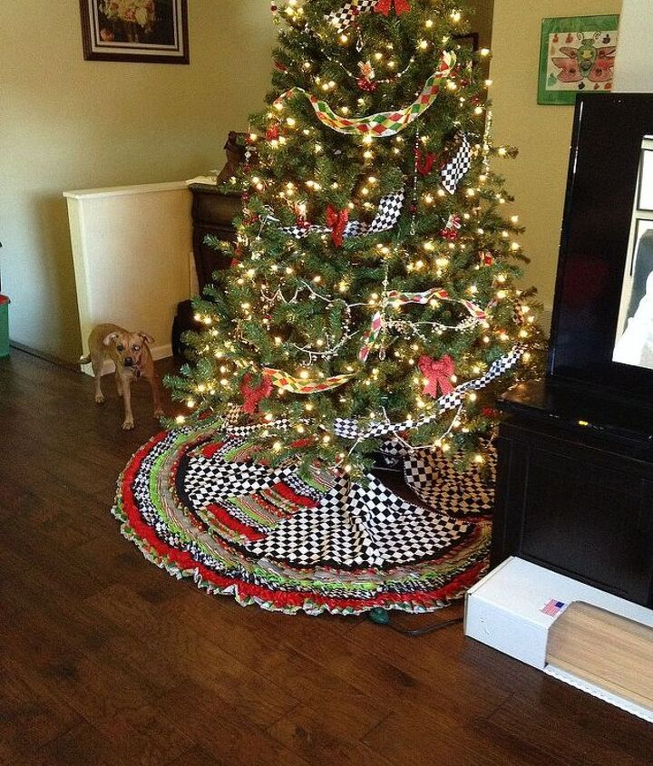 This is my final product but lets go step by step for making this MaCkenzie-Childs inspired tree skirt.  I bought items at Wally World a local fabric store, and hobby shop.