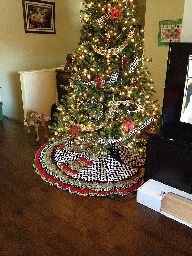Ribbon Tree Skirt And Beaded Garland Measurments Included