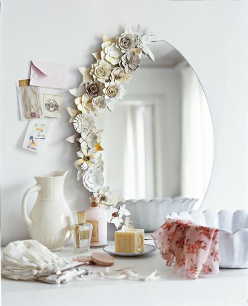 Elegant, vintage flower mirror frame.  Make one of your own by following these tips: http://www.fantasticcleanersmelbourne.com.au/news/vintage-flower-ornament-frame-made-of-egg-carton-diy-wednesday-1706/