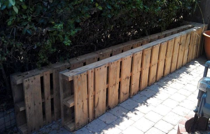 I found these two awesome huge pallets while driving by a coffee shop on my way to work.  Getting them home in my SUV was an adventure in itself but so worth it.