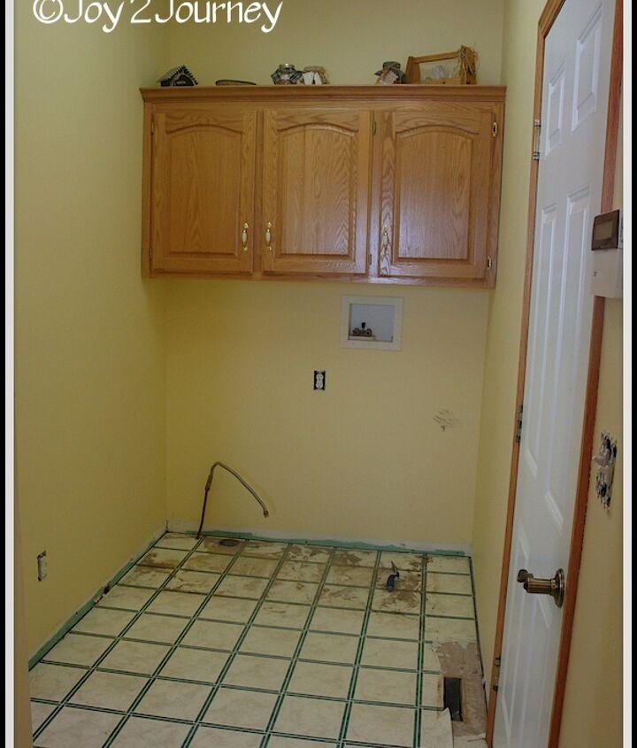 Don't you just love that linoleum? :)