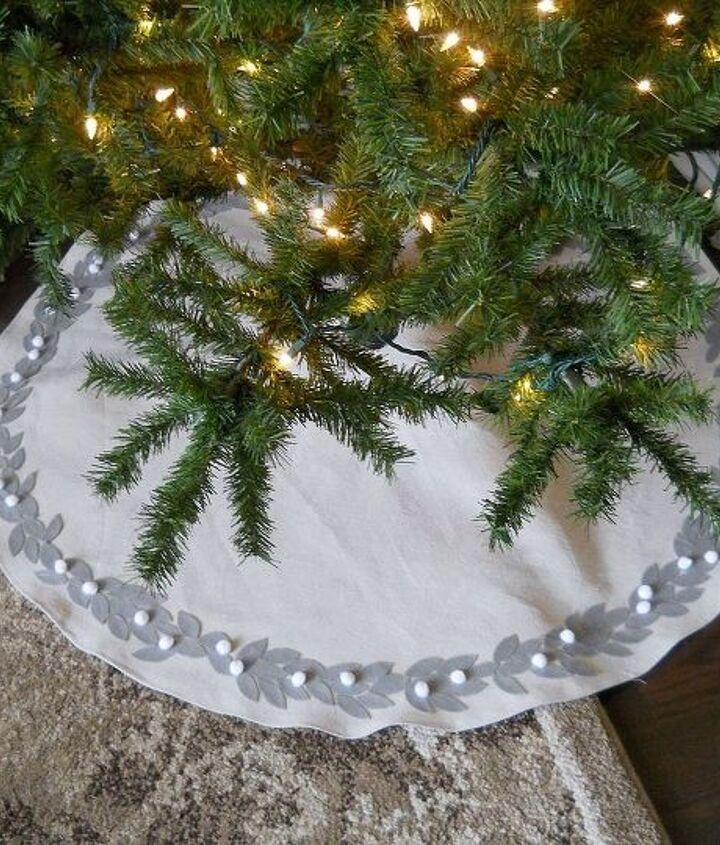 christmas tree skirt tutorial, christmas decorations, seasonal holiday decor