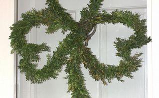 boxwood clover wreath for st patrick s day, crafts, seasonal holiday decor, wreaths, Boxwood Clover Wreath