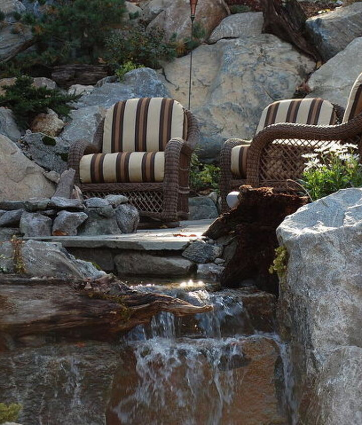 Upper patio with gas firepit and waterfalls