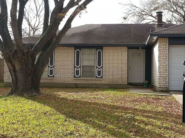 q advice on fixing this fixer upper, curb appeal, diy, home improvement