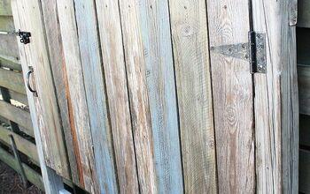 http://beachbumlivin.com  Reclaimed Wood Headboard--Fence Gate