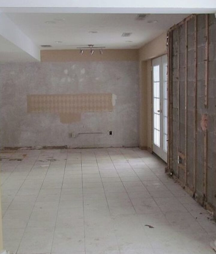 view into dining area BEFORE