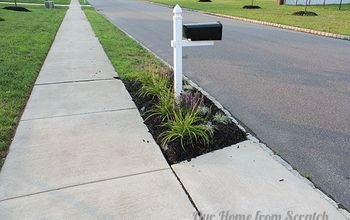 Protecting Mulch Beds With a Stone Perimeter