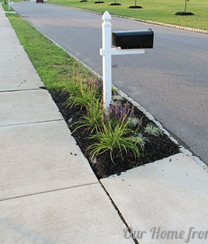 This is what we started with.   We had just made a new flower bed around our mailbox and mulched it.  During torrential rain, the water washes the mulch along the edge.