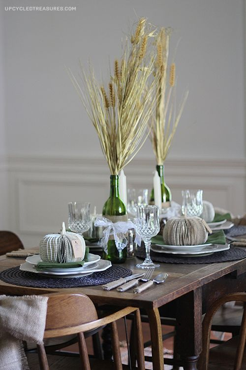Romantic Rustic Fall Tablescape http://upcycledtreasures.com/2013/09/5-fall-tablescape-ideas/
